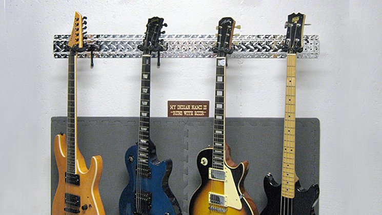 Hang Multiple Guitars